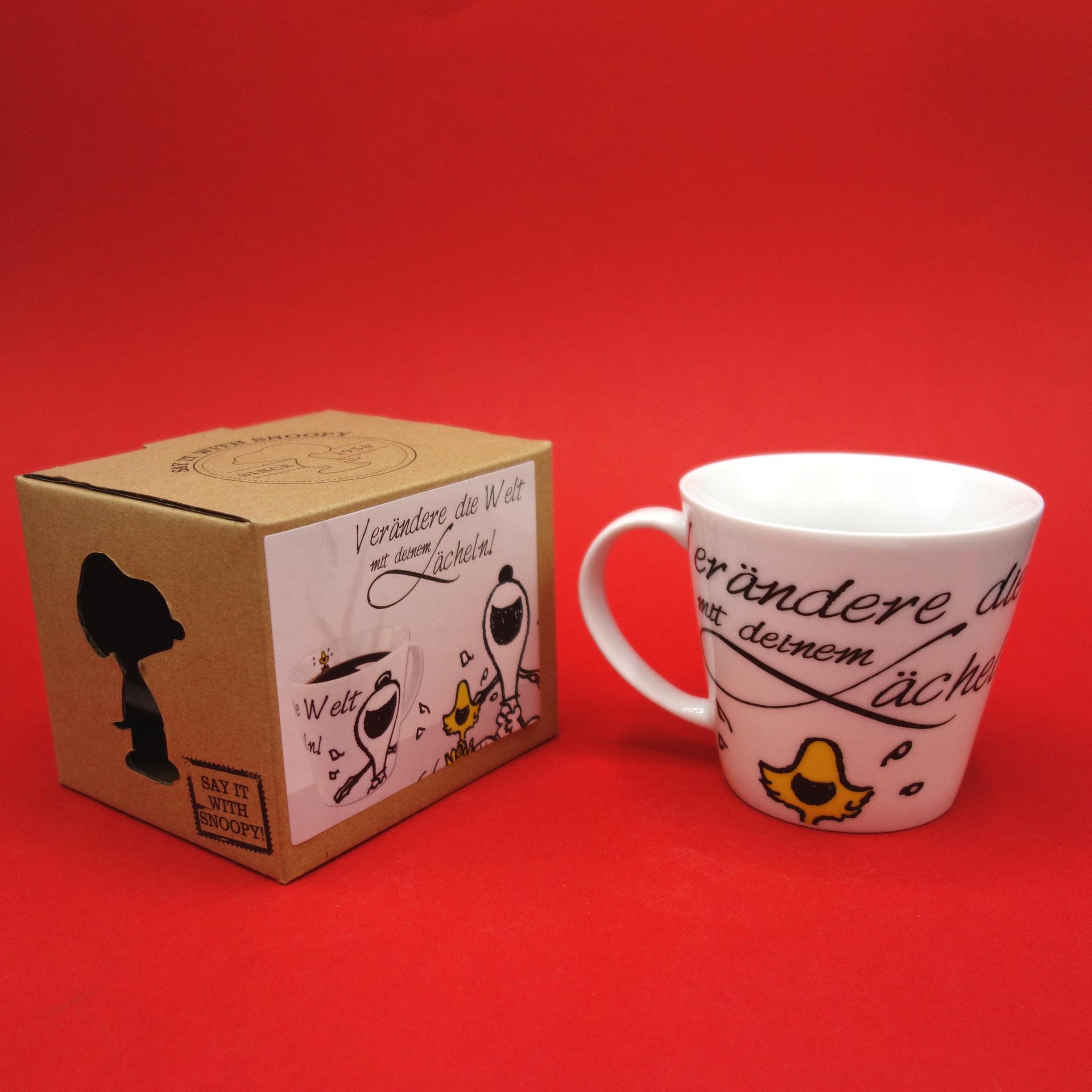 """Snoopy Peanuts Tasse """"Verändere Die Welt Mit Deinem Lächeln!"""""""